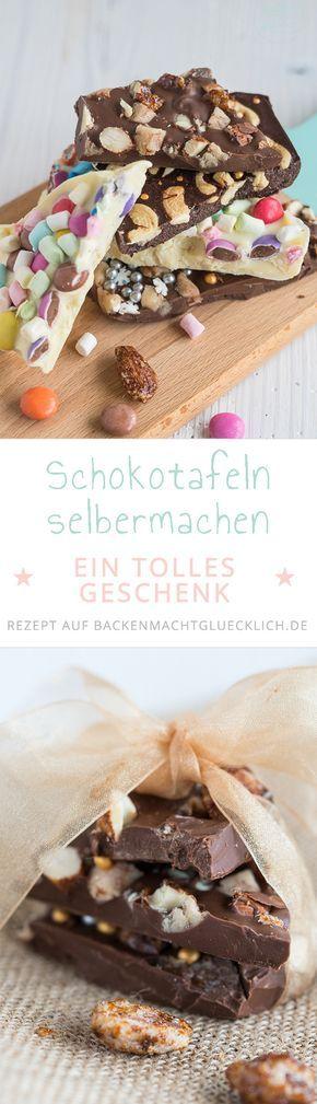 Selbst gemachte Schokotafeln sind eine schöne Geschenkidee: Mit diesem Grundrezept lassen sich aus einfacher Kuvertüre und leckeren Toppings individuelle Scholadentafeln zusammenstellen.
