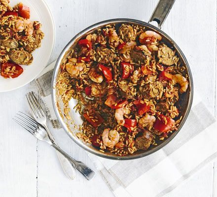 A spicy rice one-pot, inspired by Cajun and Creole cuisine with sweet, smoky paprika