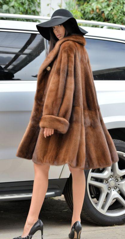 Demi buff royal saga mink fur libertin manteau classe de sable fox veste poncho long