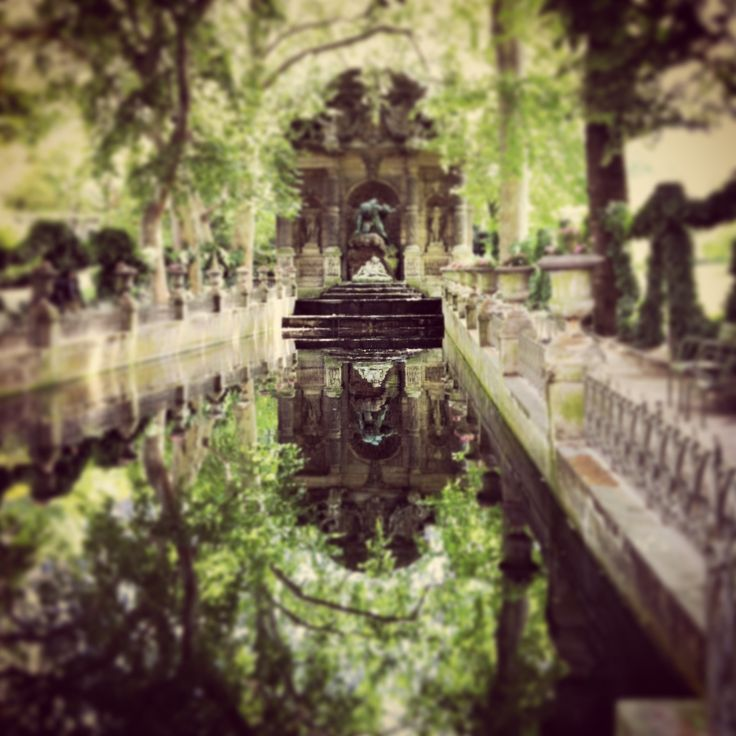 Paris - The Luxembourg Gardens - fountain