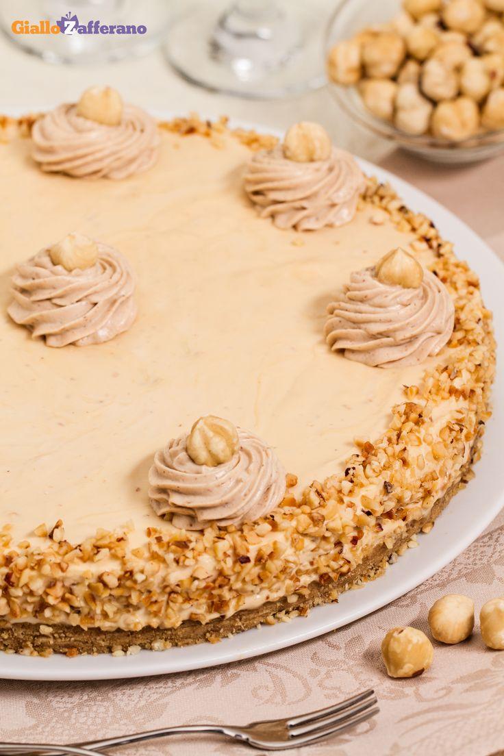 Amarognola e croccante al punto giusto, la #CHEESECAKE al CARAMELLO e NOCCIOLE (caramel hazelnut cheesecake)! #ricetta #GialloZafferano #italianrecipe