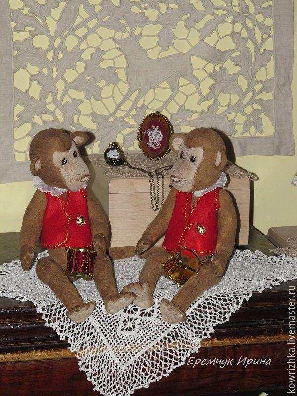 Купить Цирковые мартышки-барабанщики - обезьянка, обезьянка в подарок, мартышки, цирк, цирковой, коричневый