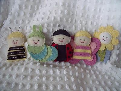 bug kids: Santa Workshop, Felt Crafts, Quiet Books, Fingers Puppets Dolls, Rag Dolls, Books Bugs, Books Ideas, Bugs Kids, Santas Workshop