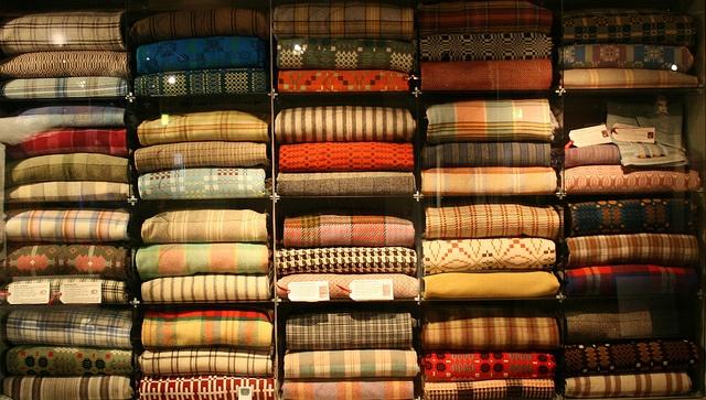 Collection of Welsh Blankets at Welsh National Wool Museum/ Blancedi Cymreig yn Amgueddfa Wlan Cymru