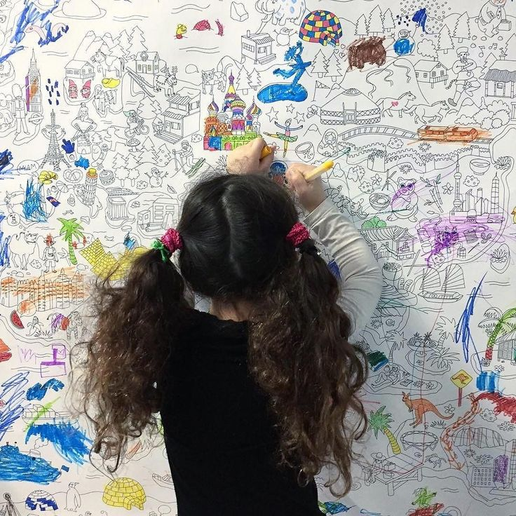 Voilà de quoi les occuper une bonne partie du week-end  Poster géant dispo sur notre site rubrique nailmatic Loves !!! Looking for the perfect sunday activity? There you go www.nailmatic.com (Try our OMY selection in the nailmatic Loves section)!! #coloring #kidsplay #nailmatic #colour #nailmaticloves