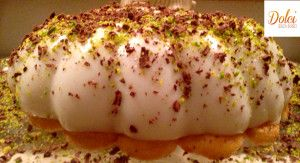 Il BIANCOMANGIARE ALLA MANDORLA è un delizioso e leggero #dolce al #cucchiaio. Il #biancomangiare alla #mandorla è un dolce tipico #siciliano. In questa ricetta ho presentato il dolce su una base di #savoiardi e decorato con granella di #pistacchio e #cioccolato Ecco la #ricetta del #dolce http://www.dolcisenzaburro.it/uncategorized/biancomangiare-alla-mandorla/ #dolcisenzaburro