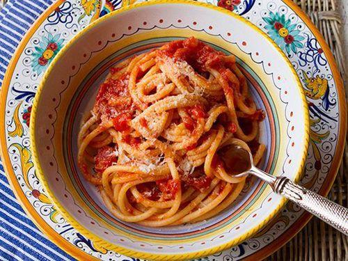 La auténtica receta italiana de los espaguetis a la amatriciana - Recetas Espaguetis