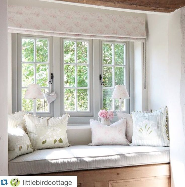 Clarabelle Interiors Roman Blind Box Window Seat