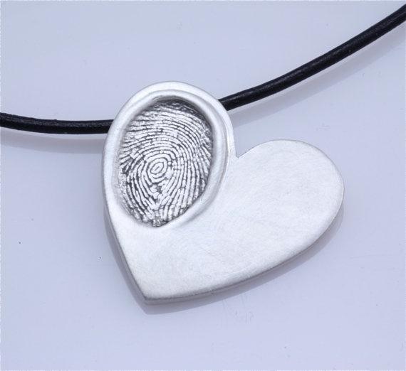 Child Fingerprint Pendant: Gift, Craft, Recipe, Pendants, Saltdough, Thumbprint Pendant, Baby, Kid