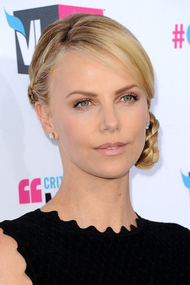 Charlize Theron Beauty Evolution: From Fresh-Faced Starlet To Glamorous Leading Lady (PHOTOS)   Huffington Post
