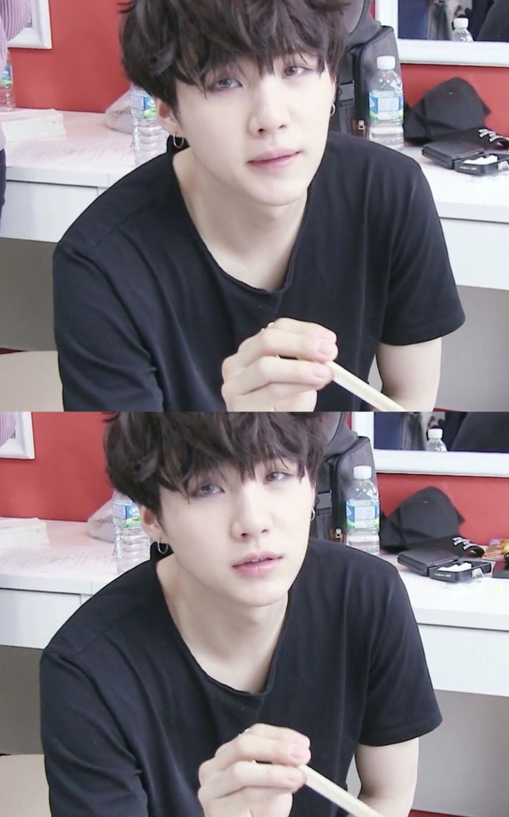 I live for suga with messy hair, like yaaaas