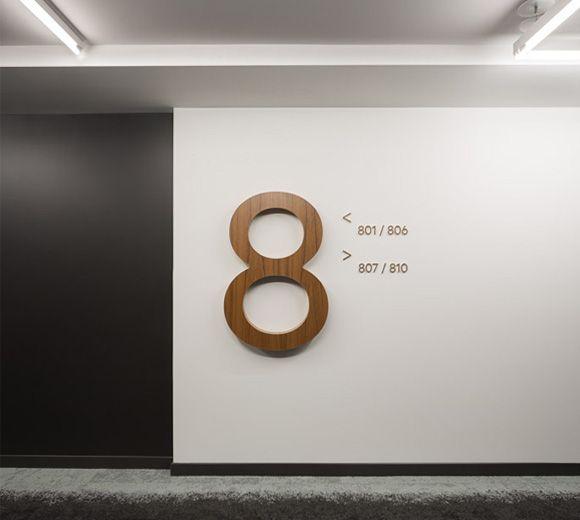 Signs / Signalétique / Number / Storey  / Tour Fresk  Photo : Stéphane Groleau