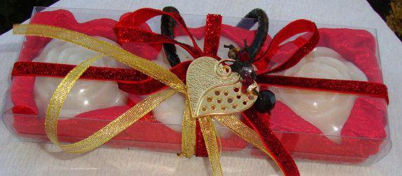 Rosso con Set regalo cuore-elegante di JoannasScentedSoaps su Etsy