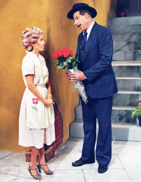 """""""Tão bom morrer de amor e continuar vivendo."""" Mario Quintana Feliz Dia dos Namorados à todos os casais apaixonados!!! =) ♥ ♥ ♥"""