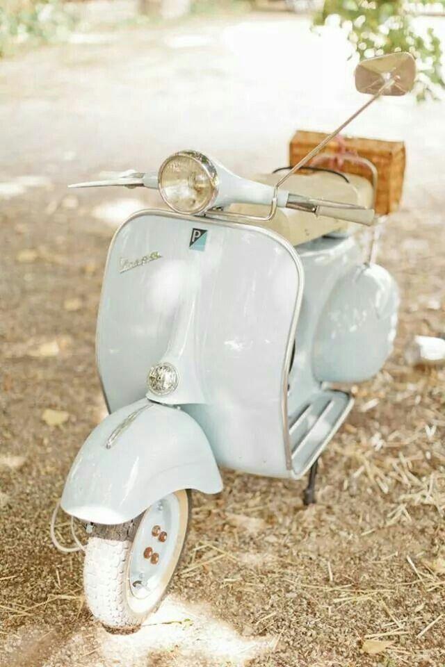 Adorable Pastel Turquoise Aqua Vespa Scooter Vespa Vespa Vintage Vintage Cars