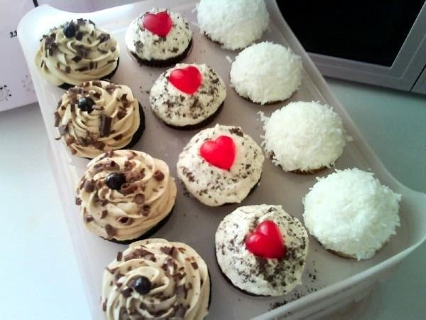 mocha, red velvet, and coconut cupcakes :) all vegan