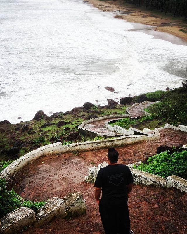 Devgad beach, a few hours south of mumbai on the Konkan coast. Mumbai to Goa trail! prathmesh_madye