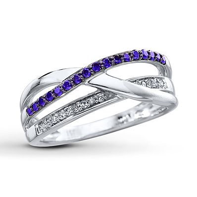 Purple Diamond Ring 1/4 ct tw Round-cut Sterling Silver.... looks a lil blue in the picture, I'd want to make sure it was more purple