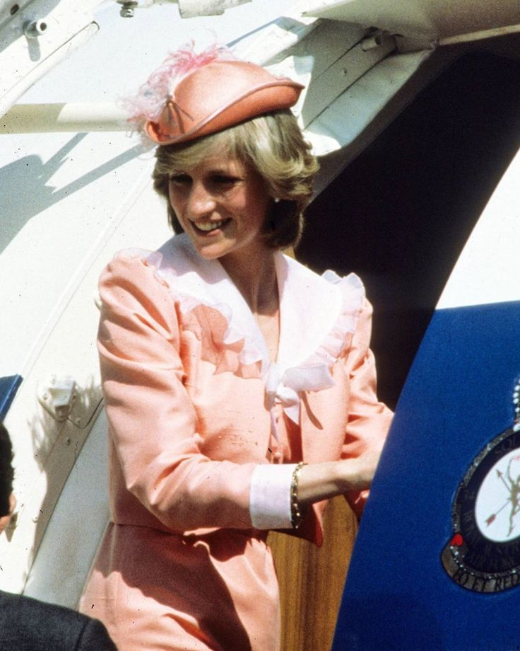 March 25, 1983 Princess Diana boards the royal plane at the end of her official trip to Canberra in Australia, where she visited a War Memorial and the Woden School
