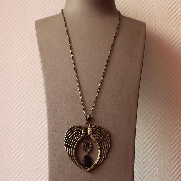 Sautoir de couleur bronze, pendentif ailes d'ange, pierre de gemme onyx noir : Collier par mystee-creations