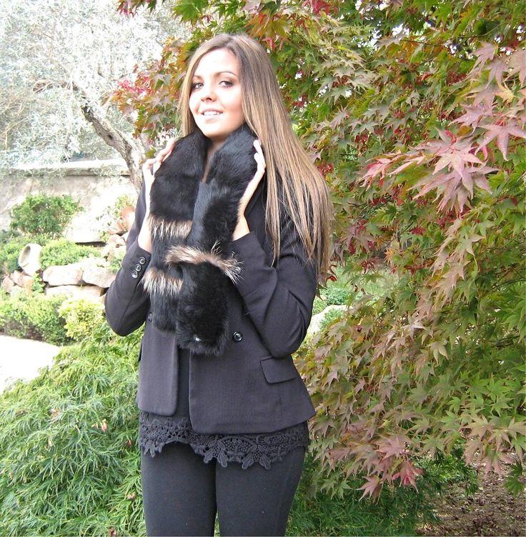Sciarpa a fascia in lapin nero, inserti in contrasto di colore, Lisa