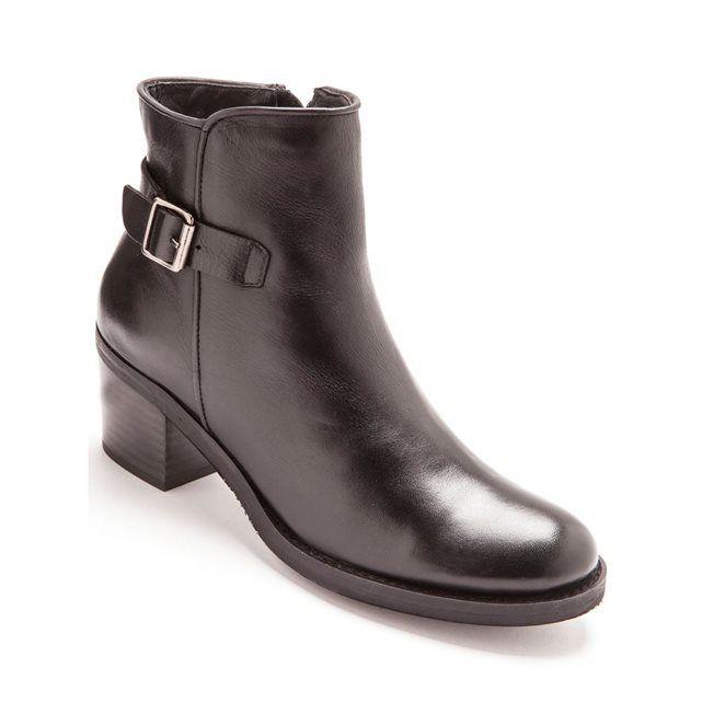 Boots forme cavalière cuir, zippées BALSAMIK : prix, avis & notation, livraison.  Conseil modeOn garde la tendance cavalière pour ces bottines mais version mini, avec les mêmes détails que leurs grandes soeurs, talon large, boucle, surpiqûres... Bref des boots tendance qui associent l'esprit détente citadine ! Les + morpho(1) . Aérosemelle® : cuir sur mousse épaisse . Largeur confort : chaussures légèrement élargies par rapp...