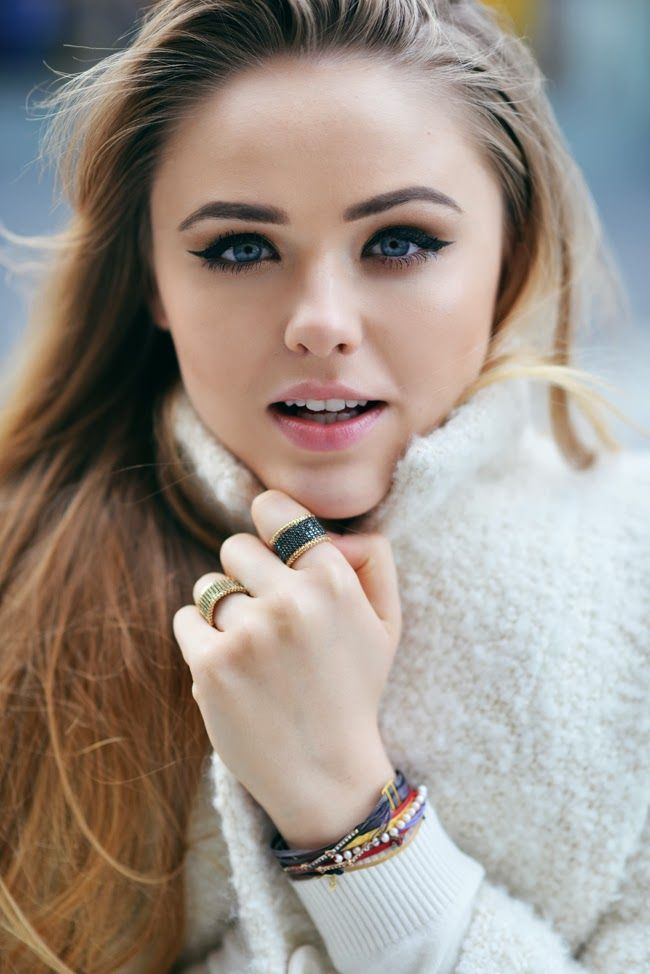 Lovely Kristina Bazan with her Apriatis