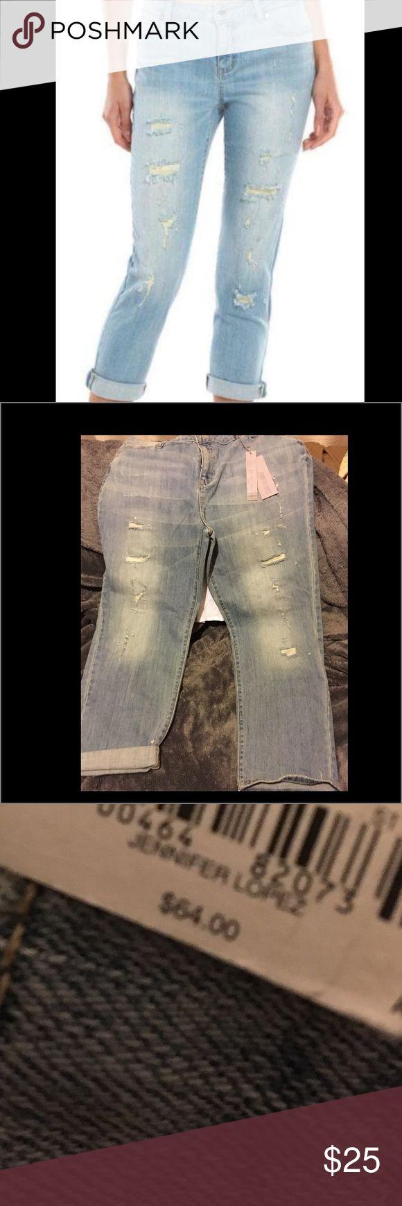 Jlo women's Jeans  NWT Jennifer Lopez boyfriend distressed jeans Jennifer Lopez Jeans Straight Leg