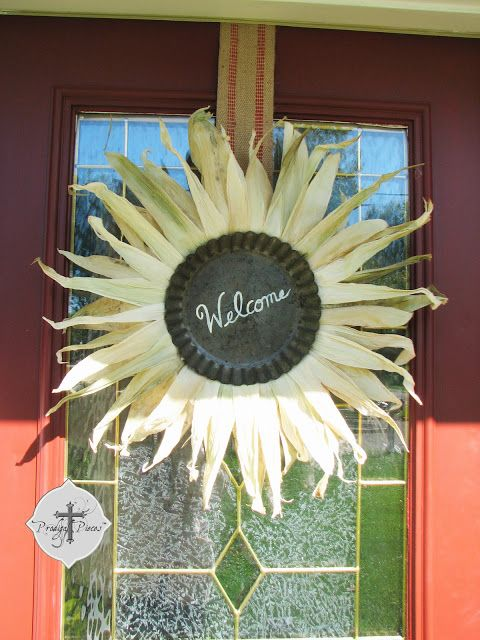 A fall wreath created from corn husks and a tart tin. Cool! By Prodigal Pieces