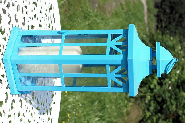Lantaarn zeshoek  Blauwe zeshoekige lantaarn. Mooi rank model. Hoote 33 cm, diameter 16 cm.