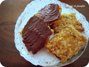 Florentine biscuits with dried fruit and dark chocolate