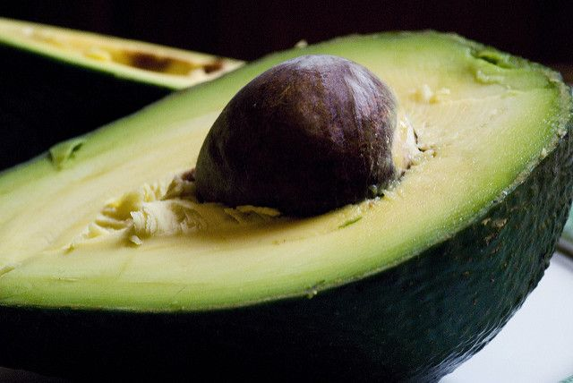 THE BRAINY BEAUT: FACTSHEET | HUIDVERZORGING | PERSEA GRATISSIMA OIL UNSAPONIFIABLES – Avocado olie