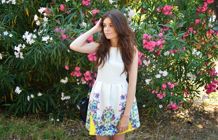 FLOWER POWER // outfit by the annelicious