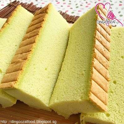 Moist Pandan Sponge Cake aka Pandan Ogura cake. Baked using water bath method to retain the moist of the cake. Taste even better when chilled.