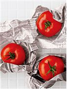 Ripen Green Tomatoes with Newspaper by Wendy Boswell, lifehacker #Green_Tomatoes #How_to_Ripen #Wendy_Boswell #lifehacker