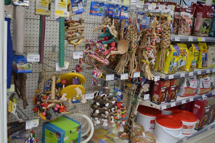 Gran varidad de #juguetes para #pajaros #alimentación #snacks #nidos #