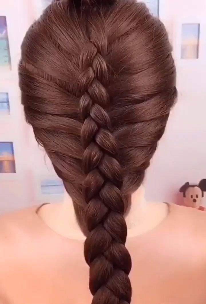 Dyedhair Hairstyles Kinkycurly Shortgirlhairstyles Twistbraid In 2020 Geflochtene Frisuren Frisuren Lange Haare Geflochten Schone Frisuren Mittellange Haare