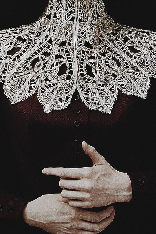 - Gorgeous lace design but even more compelling photo