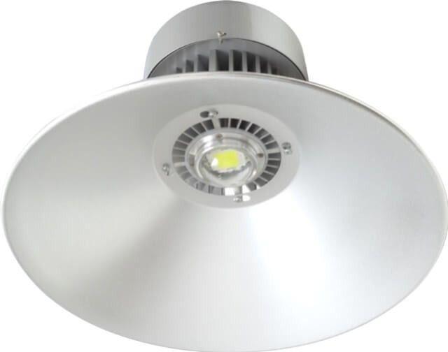 LAMPA INDUSTRIALA CU LED 50W fiabila si practica, lampa iti permite montarea la inaltimi de pana la 6 metri datorita intensitatii luminoase puternice.