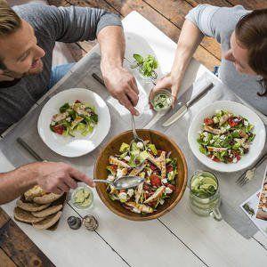 Gratis bon! Wekelijks een box vol met verse ingrediënten en gezonde recepten bij je thuisbezorgd, dat is HelloFresh! Je hoeft niet meer naar de supermarkt en kan zo aan de slag met de eenvoudige recepten. Ontdek HelloFresh nu via Shedeals en profiteer van € 20 korting! #deals #onlinedeals