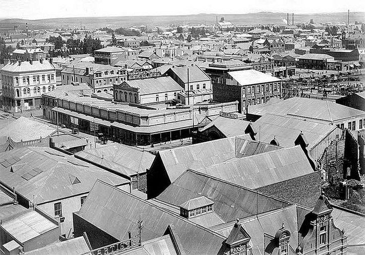 Johannesburg in 1900. Even then it already had that big city look about it (With acknowledgement to Friedel Hansen)
