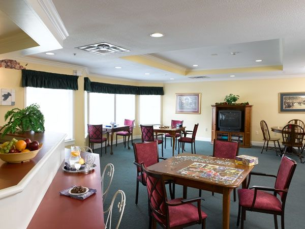 Atria Senior Living in Kingwood - Nestled among trees in a secluded setting, you'll find comfort and relaxation at Atria Kingwood. Our beautiful community features a well-stocked library, lighted gazebo and outdoor gardening area. Just 15 miles north of Houston, Atria Kingwood received a 2007 Platinum Award from the National Assisted Living Nurses Association. Call: 866-838-8312  #Kingwood #SeniorLiving