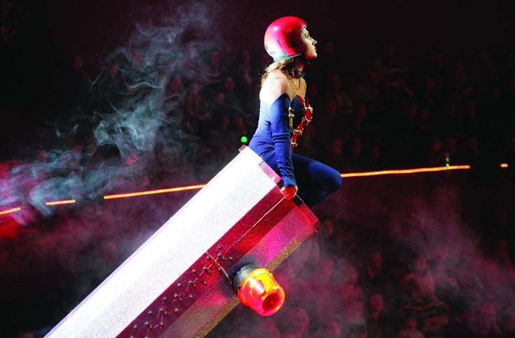 Robin Valencia - Europe´s only female human cannonball.