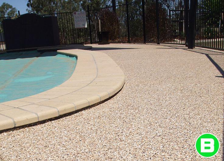Contour de piscine - Revêtement pour béton extérieur #piscine #beton