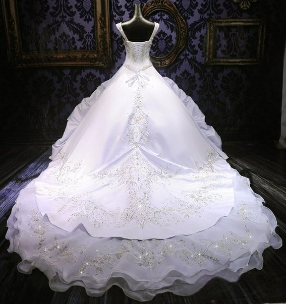 Huge ball gown wedding dress big wedding dress for Huge ball gown wedding dresses