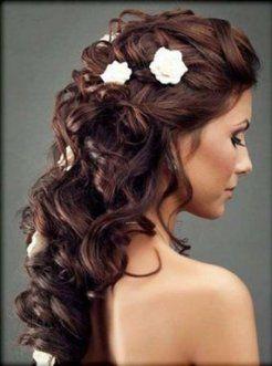 Acconciature sposa con fiori