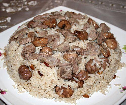 Yılbaşı için yemek menünüzü oluşturmaya başladınız mı? İşte ana yemek önerim: Kestaneli Pilav