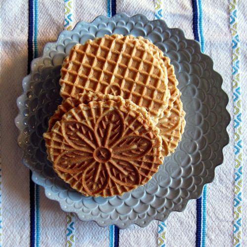 Gluten Free Pizzelle - use any homemade gluten free baking flour mix (coconut/almond flour), replace agave with honey