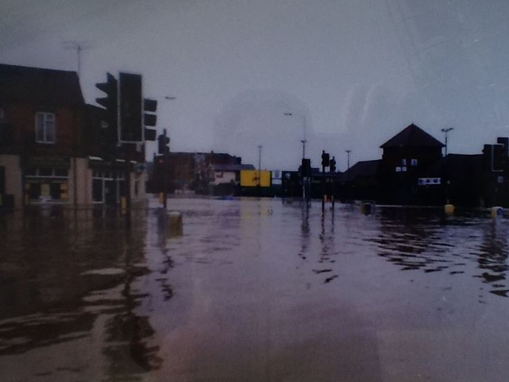 The Flood 1998 Looking Toward Supermarket From St Leonards Rd Northampton All About Us