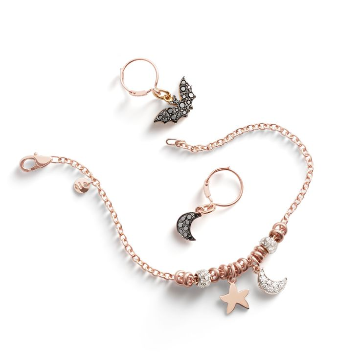 Be the queen of the night with sparkling Dodo charms. Discover our full selection.